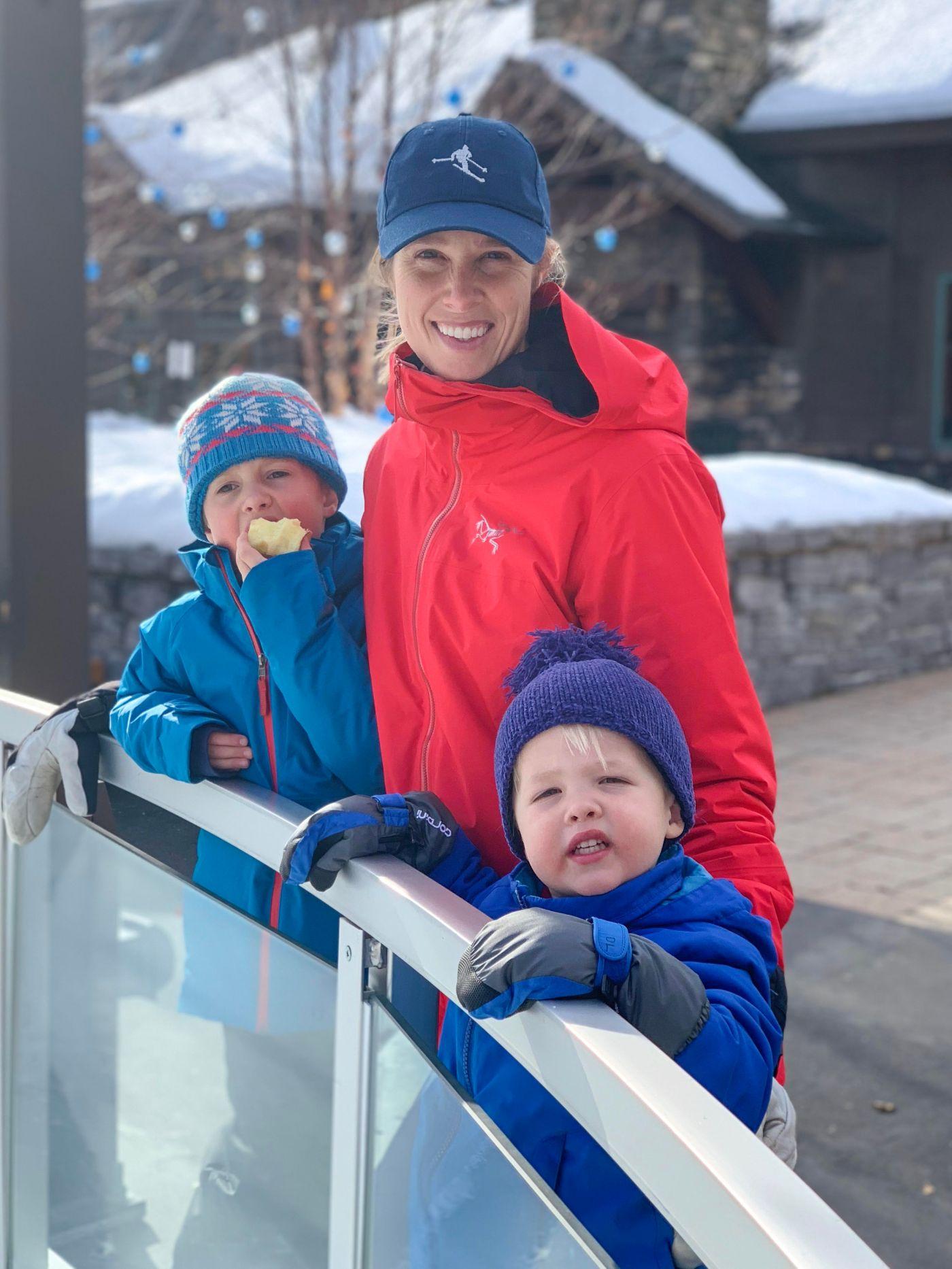 Family Skiing2