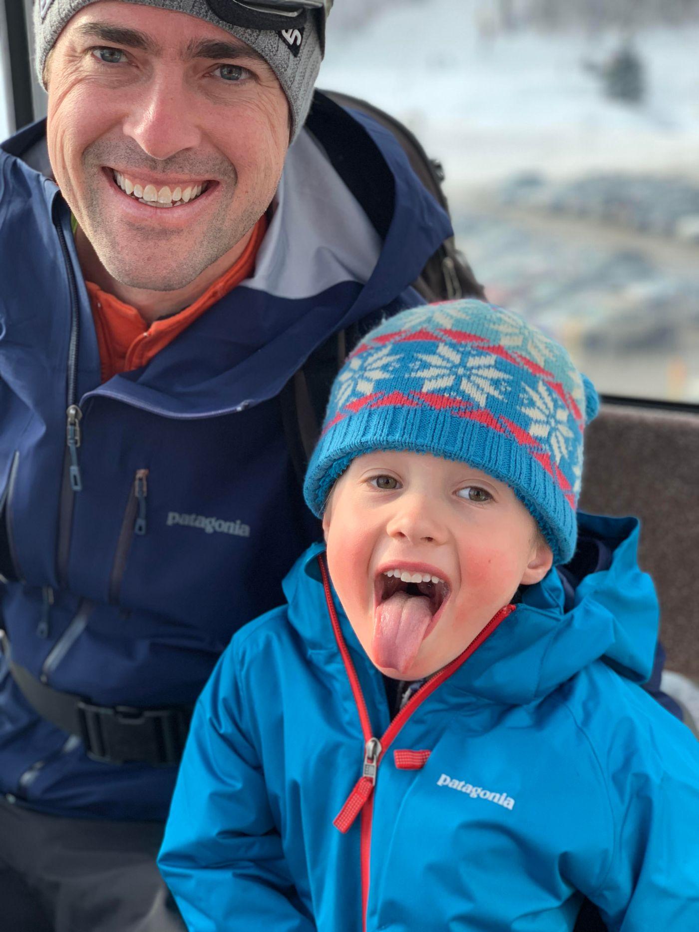 Family skiing 3